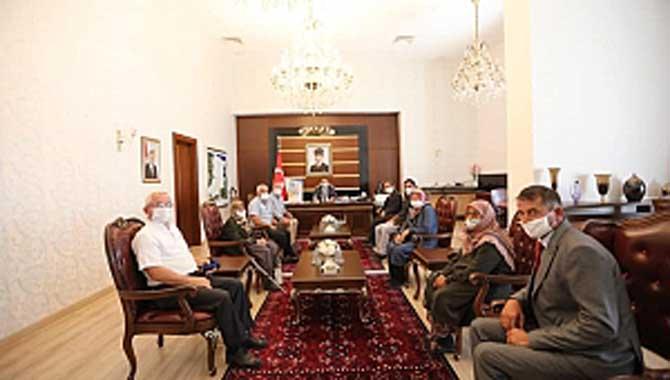 CHP, İhsaniye köyünün sorunlarının takipçisi.