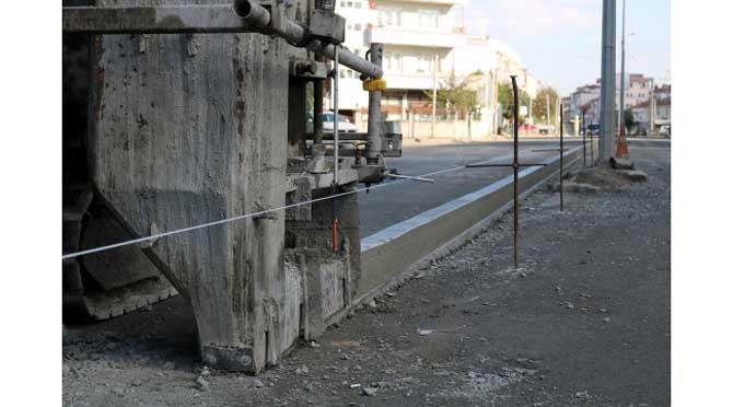 Altyapısı tamamlanan Mehmet Akif Ersoy Caddesi asfalta hazırlanıyor