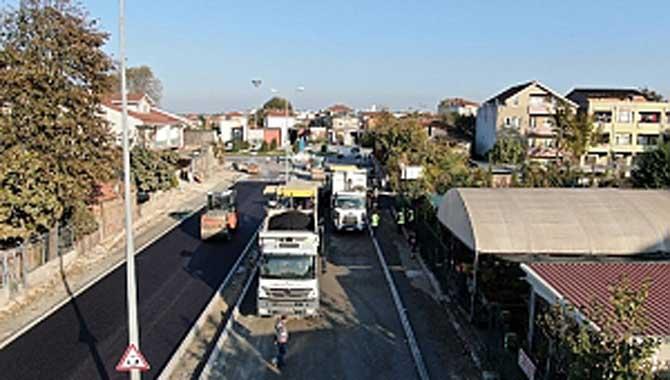 Erenler'de yoğun asfalt mesaisi