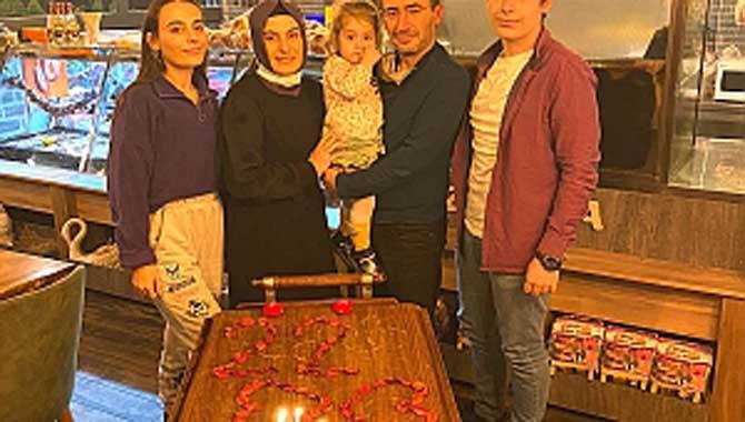 Filiz & Emre Alar çifti Evliliklerinin 22. yıldönümünü Baytar'da kutladı