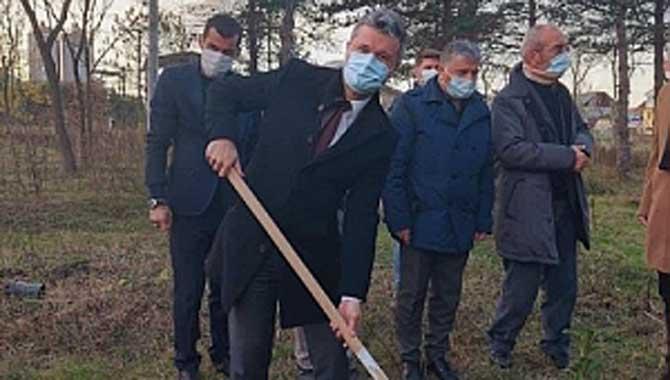 Ülkücüler Başbuğ Alparslan Türkeş'i fidan dikerek andılar