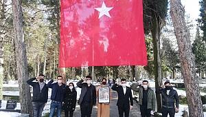 ÖNCÜ GENÇLİK, OKKAN'I MEZARI BAŞINDA ANDI