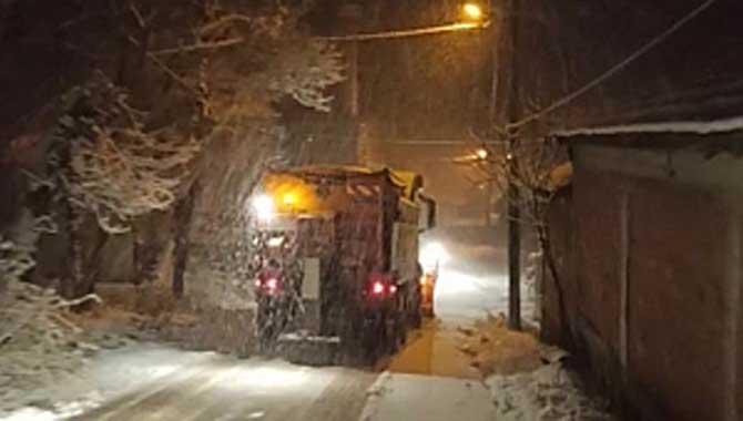 Serdivan'da 24 Saat Kar Mesaisi