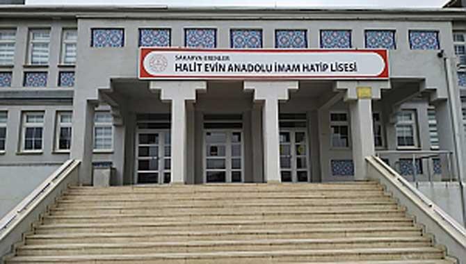 Halit Evin LİSESİ Proje Okulu oldu