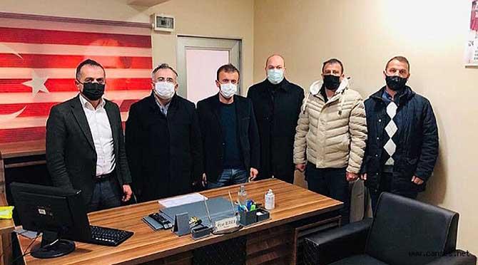 İYİ Parti Adapazarı İlçe'den Fotoğrafçılar odasına ziyaret