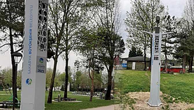 Park ve meydanlara sinek kontrol noktaları