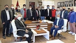 Sakaryaspor Alt yapı antrenörlerinden tebrik ziyareti.