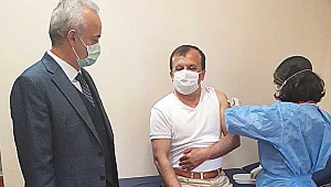 Öğütlü: Normale dönmek için aşı şart