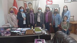 Demokrat Parti il Kadın Kolları Başkanı Nigar Akman'a iadeyi ziyaret