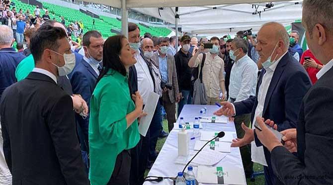 Sakaryaspor Kulüp Başkan Adayı Esra Konuk Karaarslan Basın Açıklması