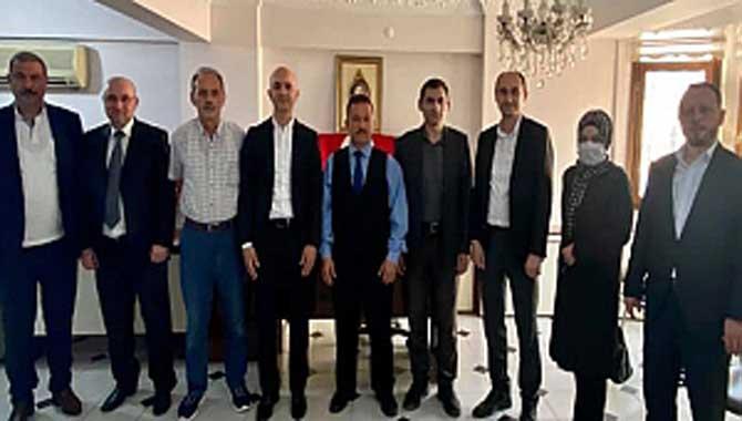 Serbes Bağımsız Türkiye Partisi'ni ziyaret etti
