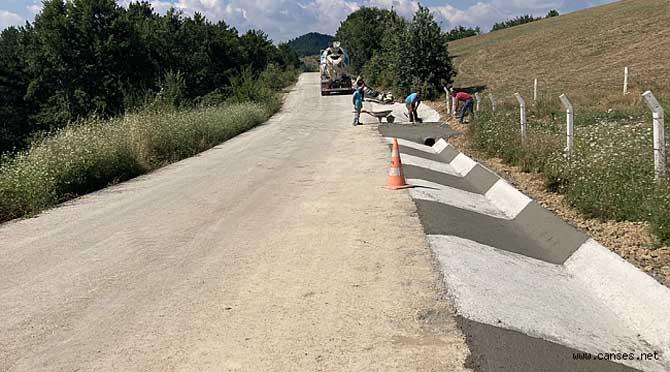 Büyükşehir 'V Kanal' çalışmalarına Geyve'de devam ediyor