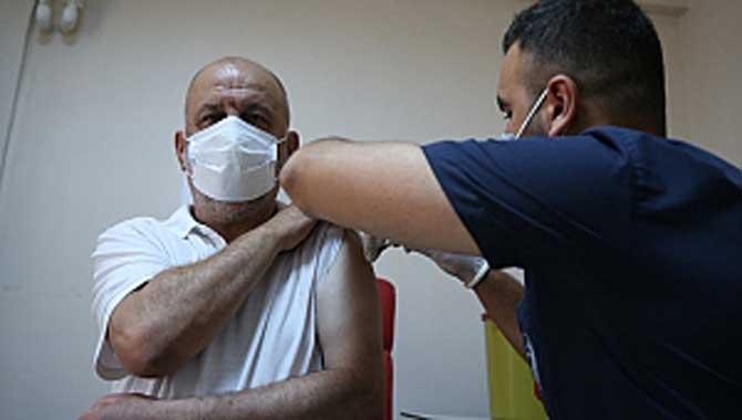 Vali Kaldırım Vatandaşlarımızı Aşı Olmaya Davet Etti