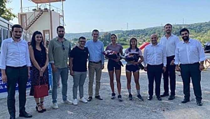 Akşener ve Dikbayır şampiyonları tebrik etti