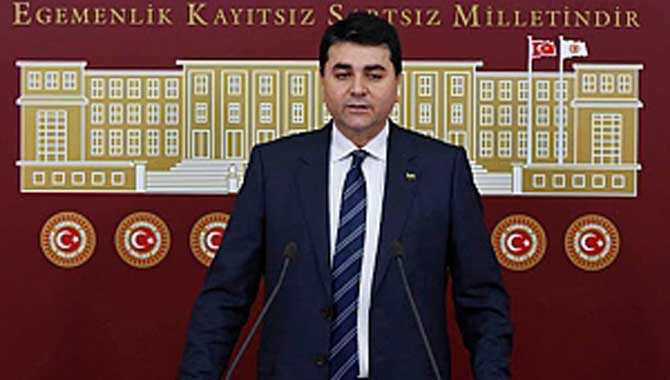 """Demokrat Parti Genel Başkanı Gültekin Uysal'dan """"Büyük Taarruz mu Malazgirt mi"""" tartışmalarına tepki"""
