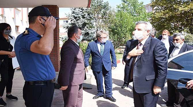 """""""Bakan Yardımcısı Hasan Büyükdede Karasu'yu Ziyaret Etti"""""""