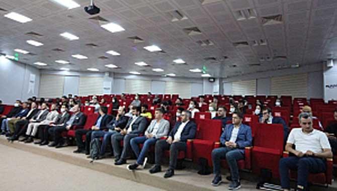 """Genç MÜSİAD Sakarya'ın düzenlediği ve Uluslararası Genç Derneği Başkanı Süleyman Ragıp Yazıcılar'ın konuşmacı olduğu """"Mana Medeniyeti'' başlıklı program MÜSİAD Sakarya Şubesi'nde yoğun katılımla gerçekleşti."""