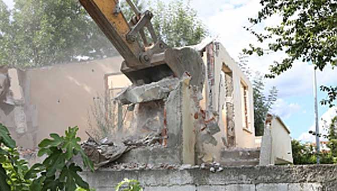 Serdivan'da Metruk Yapılara Düzenleme