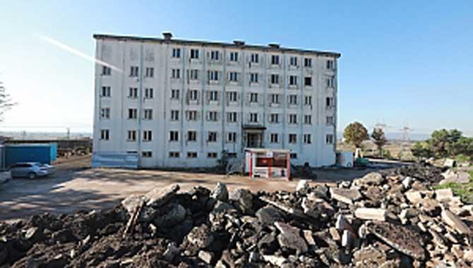 Adapazarı'nda Tehlikeli Yapılar Yıkılıyor