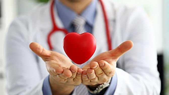 Kalpte Triküspit Kapak Yetmezliği Ameliyatsız Tedavi Edilebiliyor