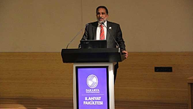 SAÜ'de 'Malezya, Umman ve Türkiye'de Okullarda Din Öğretimi' Konulu Panel